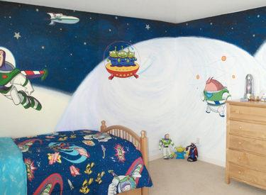 Children's bedroom with Buzz Lightyear mural