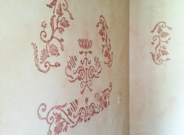 Textured custom stencil